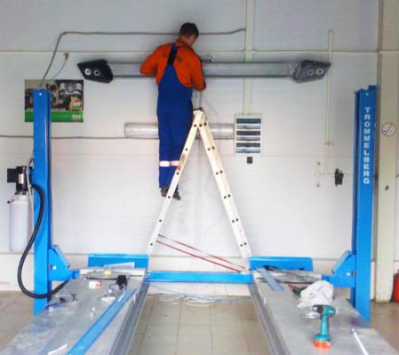 montazh i ustanovka avtomobilno podyomnika